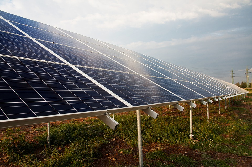 Why Investing in Solar Energy is a Good Idea, investment in solar panels, solar panels