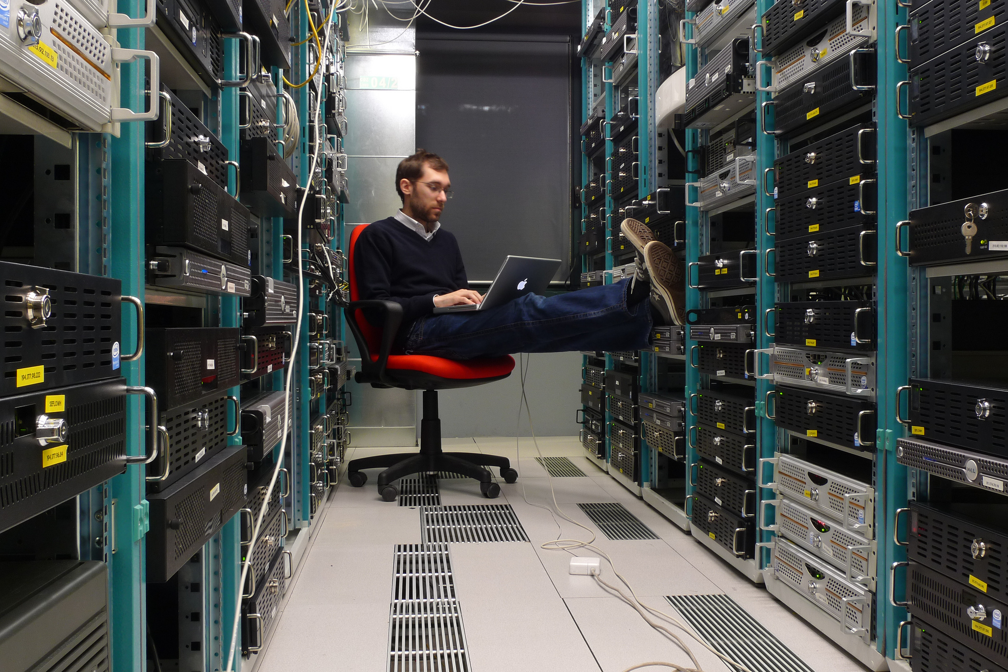 dedicated server, What is a dedicated server, why we need dedicated server
